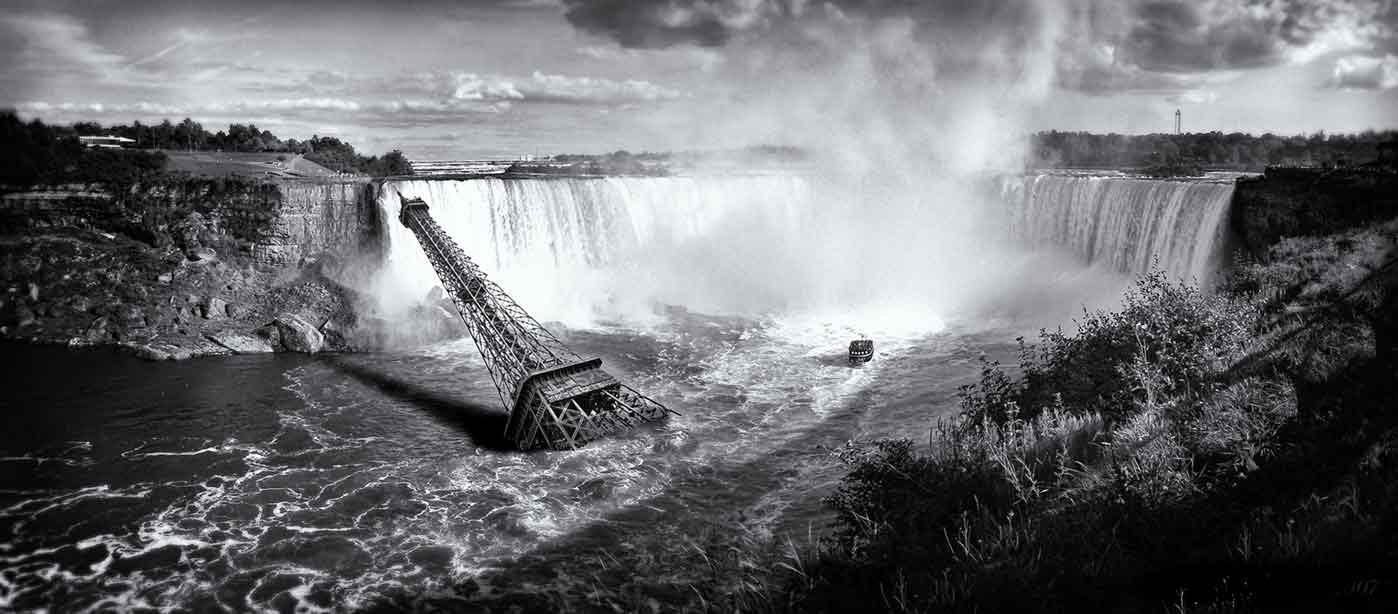 Eiffel Tower in Niagara Falls